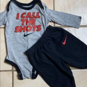 Nike 3/6 month long sleeved outfit